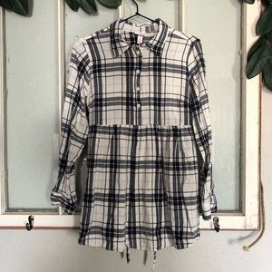🏔Maternity nursing flannel button up shirt